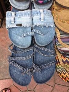 Upcycling: sandaler av gamla jeans. Bloggen Re-creating.se (återbruk)