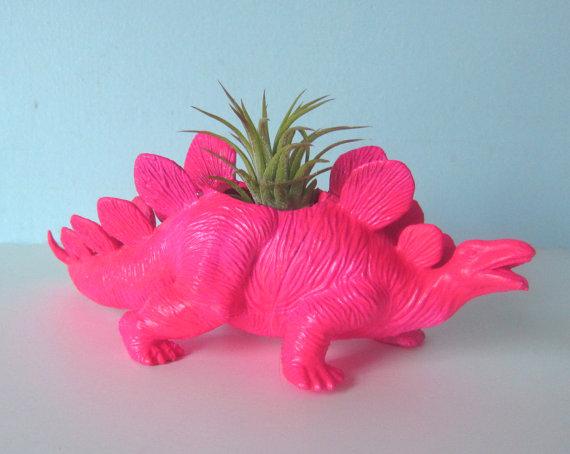 Upcycling: leksaksdjur till krukor. Bloggen Re-creating.se (återbruk)
