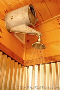 Upcycling: Vattenkanna till dusch. Bloggen Re-creating.se (återbruk)